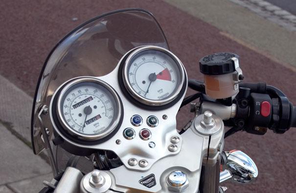 Dart Classic Flyscreen: Triumph Thuxton